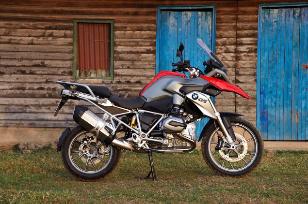 The 2013 BMW R1200GS in 293 Hi Res Photos 2013 BMW R1200GS 06 635x422