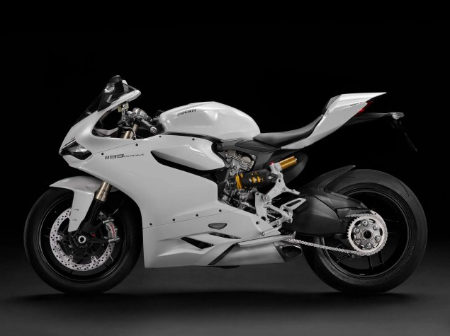 2013 Ducati 1199 Panigale   Now in Arctic White 2013 Ducati 1199 Panigale arctic white 01 635x475