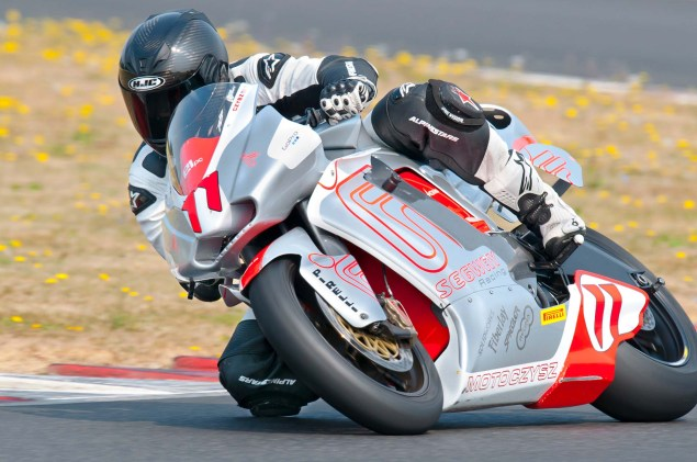 MotoCzysz E1pc vs. Ducati 1199 Panigale S MotoCzysz E1pc test PIR 07 635x421