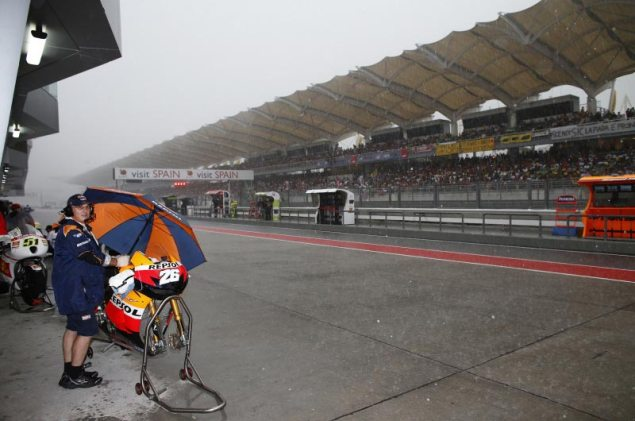MotoGP: Slippery Slope at the Malaysian GP Rain Sepang Dani Pedrosa 635x421