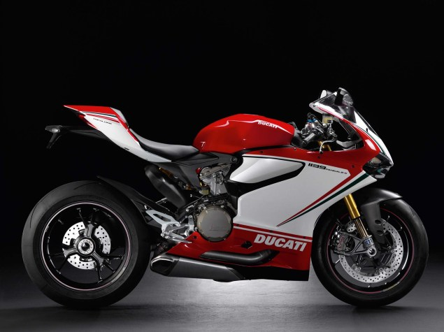 A Quarter Century of Ducati Superbikes in Photos 2012 Ducati Superbike 1199 Panigale Tricolore 635x475
