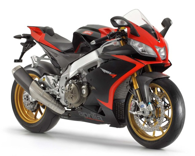Photos: The 2013 Aprilia RSV4 R ABS in Matte Black Hi Res 2013 Aprilia RSV Factory ABS 05 635x509