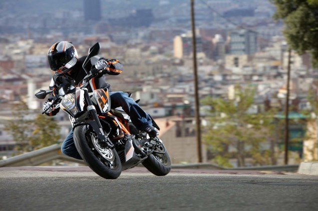 More High Res Photos of the KTM 390 Duke 2013 KTM 390 Duke high resolution 06 635x423