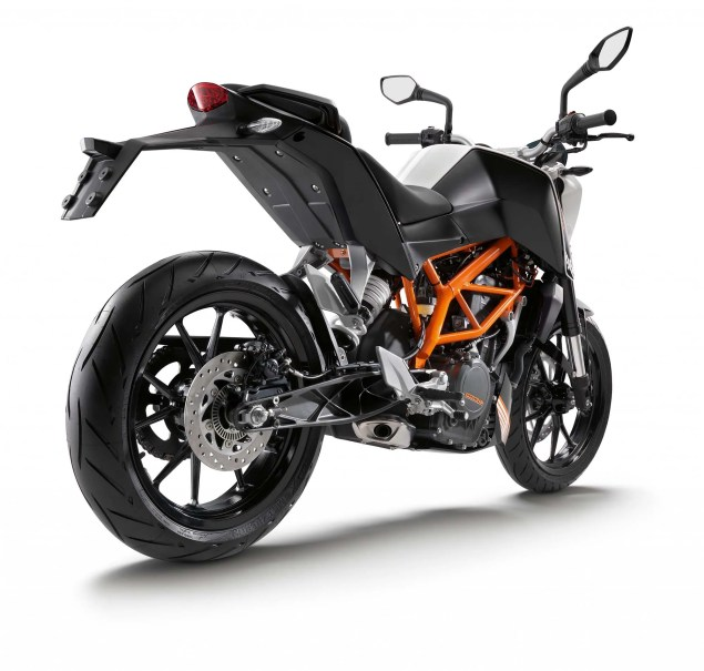 More High Res Photos of the KTM 390 Duke 2013 KTM 390 Duke high resolution 12 635x605