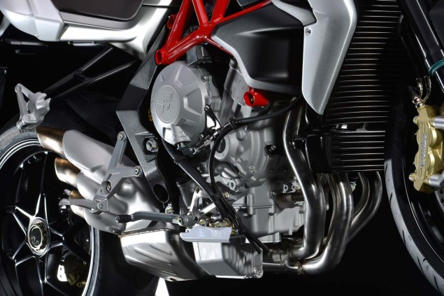XXX: 36 Photos of the MV Agusta Brutale 800 2013 MV Agusta Brutale 800 04 635x423