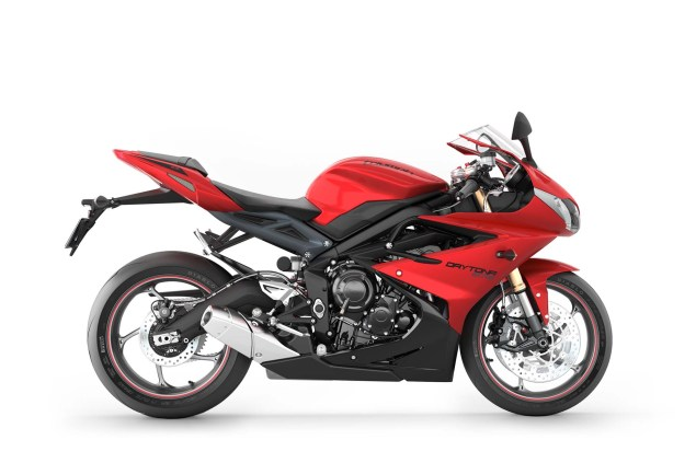 2013 Triumph Daytona 675: 126hp for $11,599 2013 Triumph Daytona 675 04 635x423
