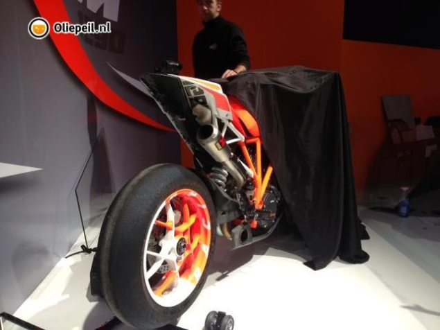 A Booty Shot of the KTM 1290 Super Duke Prototype KTM 1290 Super Duke prototype 635x476