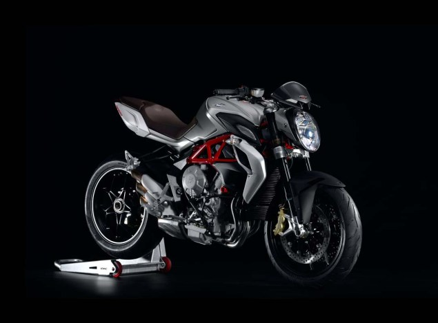 MV Agusta Brutale 800   Too Much of a Good Thing? MV Agusta Brutale 800 02 635x469