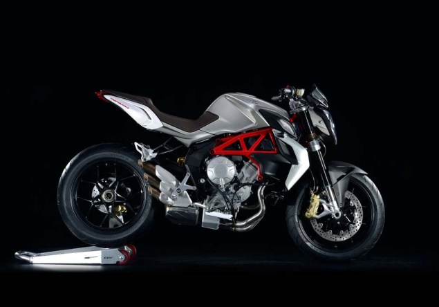 MV Agusta Brutale 800   Too Much of a Good Thing? MV Agusta Brutale 800 03 635x444