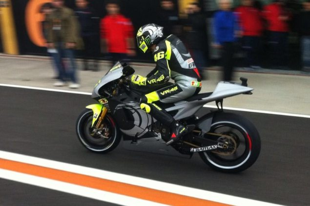 MotoGP: First Shots of Rossi Back on the Yamaha YZR M1 Valentino Rossi Yamaha MotoGP 635x423