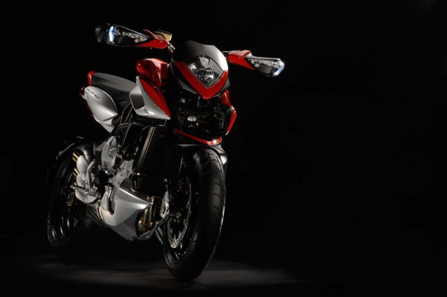 XXX: 29 Photos of the MV Agusta Rivale 800 MV Agusta Rivale 800 03 635x423