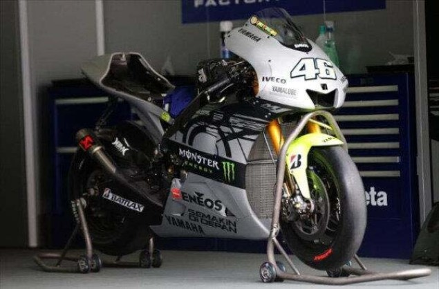 MotoGP: Valentino Rossis Sepang Livery, Just Add Monster Valentino Rossi Yamaha M1 Sepang MotoGP test livery 06