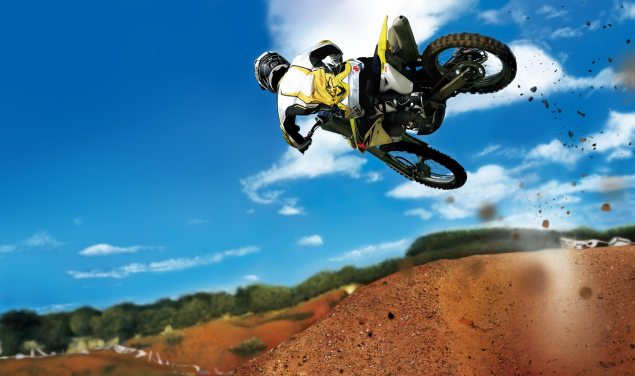 452,386 Motorcycles Sold in the USA for 2012   Up 2.6% suzuki dirt bike jump 635x376