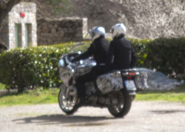 Water Cooled 2014 BMW R1200RT Spotted 2014 BMW R1200RT water cooled spy shot 04 635x454