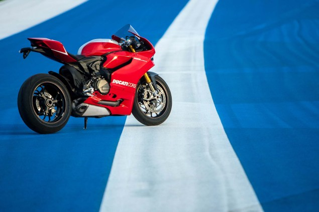 101 Photos of the Ducati 1199 Panigale R Ducati 1199 Panigale R Circuit of the Americas 15 635x423