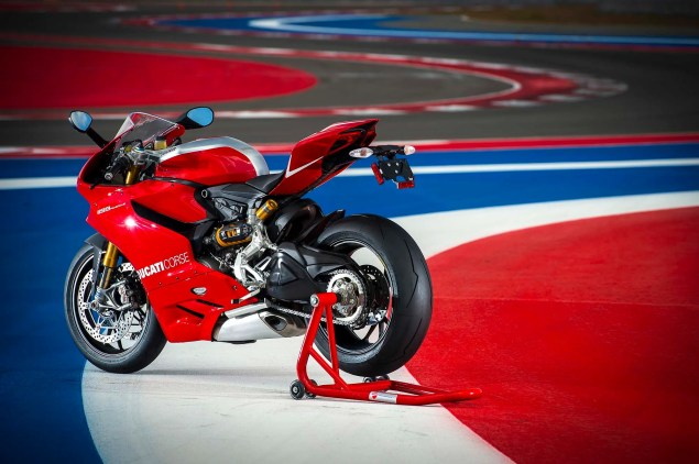 Ride Review: Ducati 1199 Panigale R Ducati 1199 Panigale R Circuit of the Americas 50 635x422
