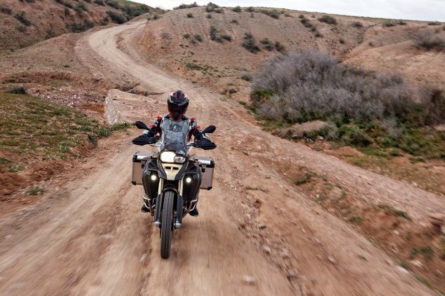 BMW F800GS Adventure   Germanys Middleweight ADV 2013 BMW F800GS Adventure outdoor action 04 635x423
