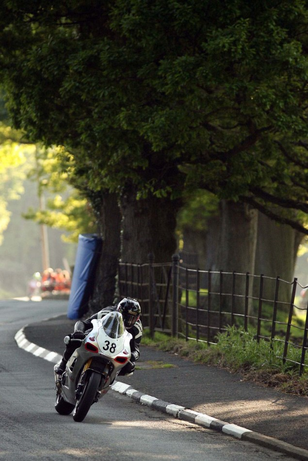 Conker-Fields-Isle-of-Man-TT-Richard-Mushet-02