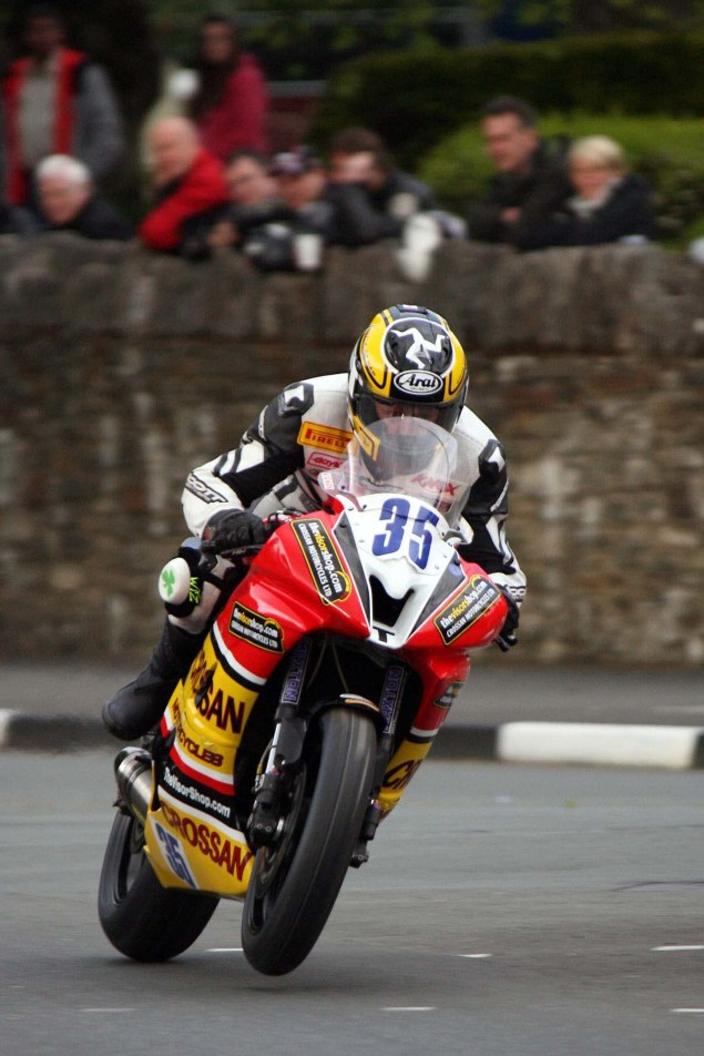 IOMTT: St. Ninians Crossroads with Richard Mushet Isle of Man TT Richard Mushet st ninians 635x952
