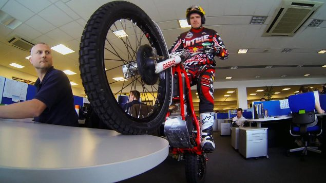 Dougie Lampkin Has a Day at the Red Bull Racing HQ dougie lampkin trials stunt red bull racing hq 635x356