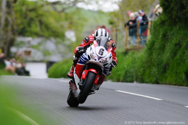 Michael Dunlop Rumored to be Racing for BMW at IOMTT Michael Dunlop Honda TT Lengends Superbike TT IOMTT Tony Goldsmith 635x421