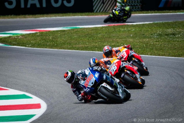 Sunday Summary at Mugello: Lorenzos Persistence, Cruchlows Fierceness, & Hondas Hidden Weakness Sunday Mugello Italian GP MotoGP Scott Jones 05 635x423