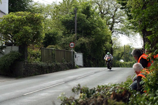 IOMTT: Ballaugh & Ballacrye with Richard Mushet Supersport Superstock Ballaugh Ballacrye Isle of Man TT Richard Mushet 15 635x423