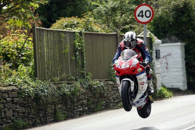IOMTT: Ballaugh & Ballacrye with Richard Mushet Supersport Superstock Ballaugh Ballacrye Isle of Man TT Richard Mushet 17 635x423