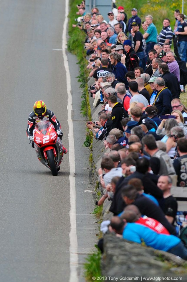 IOMTT: Glentramman & Hillberry with Tony Goldsmith Supersport Superstock race Isle of Man TT Tony Goldsmith 04 635x956