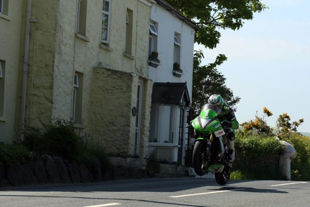 james-hillier-lightweight-tt-2013-isle-of-man-tt-richard-mushet