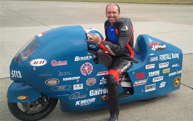 Bill Warner, The Fastest Man on a Motorcycle, Dies While Attempting 300 MPH in One Mile bill warner land speed record hayabusa 635x400