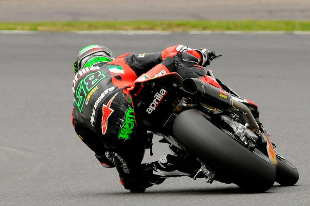 WSBK: Qualifying Results from Silverstone eugene laverty silverston wbsk aprilia racing 635x423