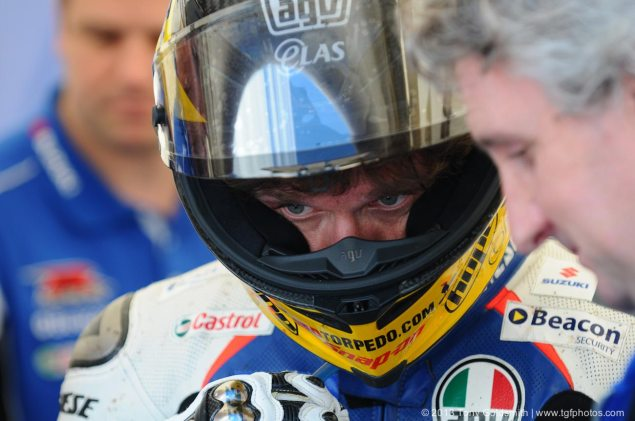 Video: This is the Best Contract Announcement Ever   Guy Martin Re Signs with Tyco Suzuki for 2014 guy martin iomtt 2013 tony goldsmith 635x421