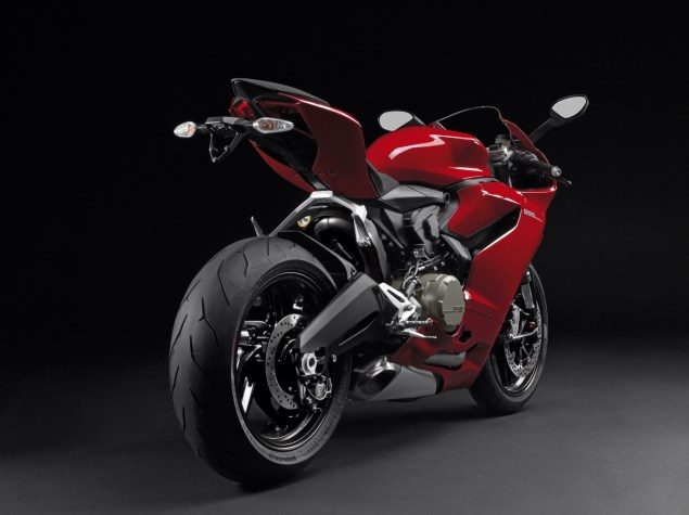 2014 Ducati 899 Panigale Breaks Cover image29 635x475