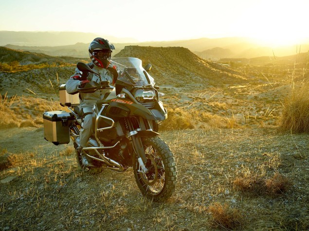 119 Hi Res Photos of the BMW R1200GS Adventure 2014 BMW R1200GS Adventure action 12 635x475