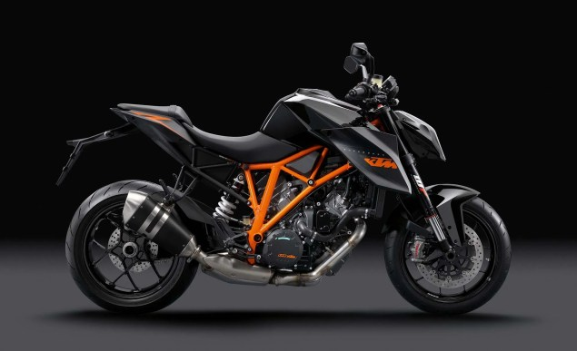 38 Hi Res Photos of the KTM 1290 Super Duke R 2014 KTM 1290 Super Duke R 14 635x387