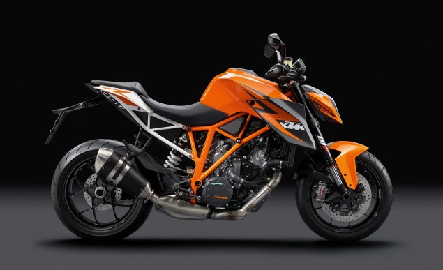 38 Hi Res Photos of the KTM 1290 Super Duke R 2014 KTM 1290 Super Duke R 16 635x387