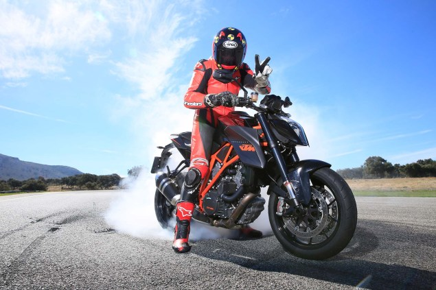 Ride Review: KTM 1290 Super Duke R 2014 KTM 1290 Super Duke R Iwan van der Valk review 01 635x423