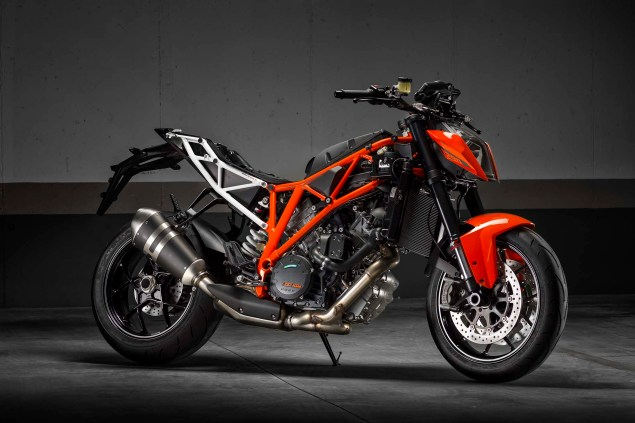 Ride Review: KTM 1290 Super Duke R 2014 KTM 1290 Super Duke R chassis 01 635x423
