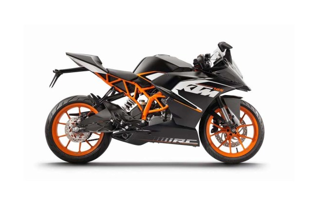 First Photos of the KTM RC125 & KTM RC200 2014 KTM RC125 black 01