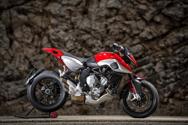 48 Hi Res Photos of the MV Agusta Rivale 800 2014 MV Agusta Rivale 800 28 635x422