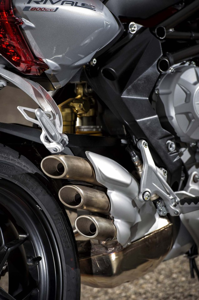 48 Hi Res Photos of the MV Agusta Rivale 800 2014 MV Agusta Rivale 800 38 635x954