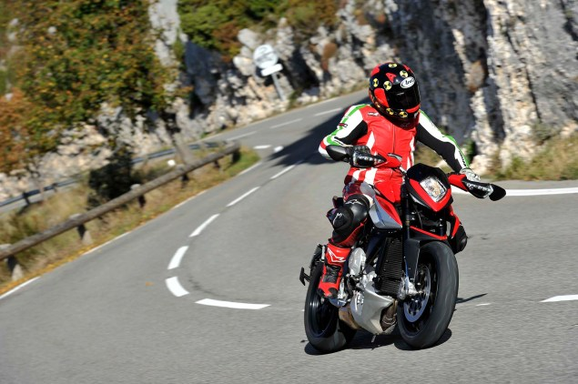 Ride Review: MV Agusta Rivale 800 2014 MV Agusta Rivale 800 review 05 635x422