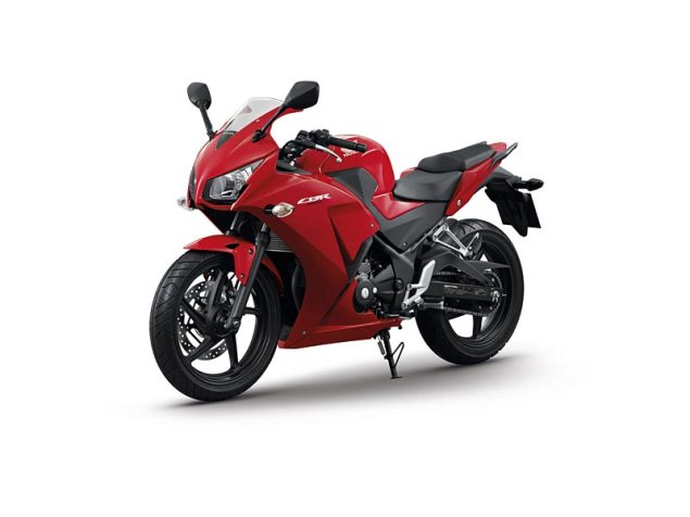 2014 Honda CBR300R Breaks Cover in China 2014 honda cbr300r