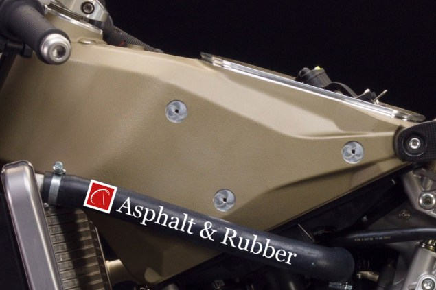 Leaked: Ducati 1199 Panigale R Superleggera Detail Photos Ducati 1199 Panigale R Superleggera leak 08