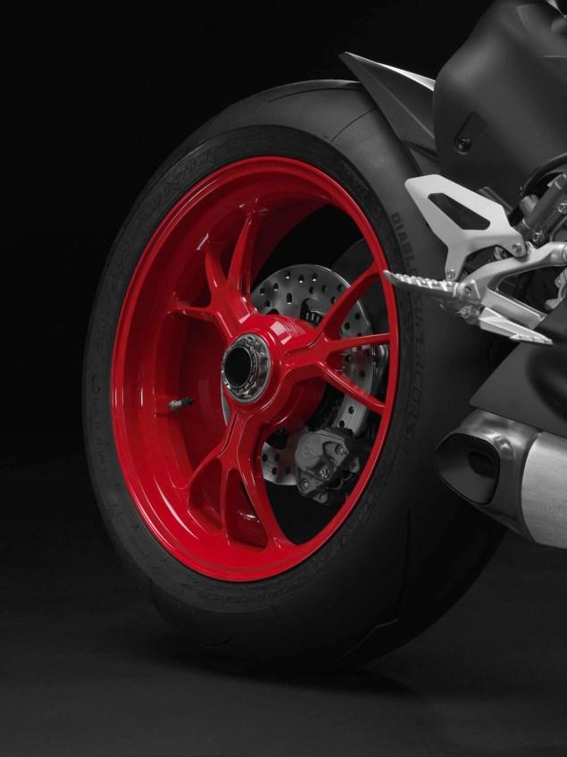 Ducati-1199-Panigale-S-Senna-03