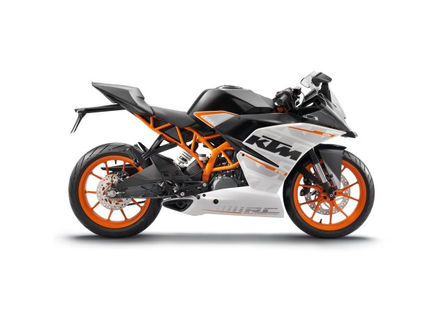 First Photos of the KTM RC125 & KTM RC200 ktm rc390 635x457