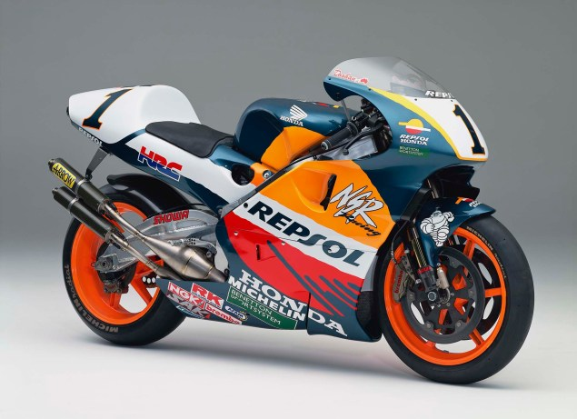 The Lineage of Hondas Grand Prix Motorcycles 1997 Honda NSR500 Mick Doohan 635x461