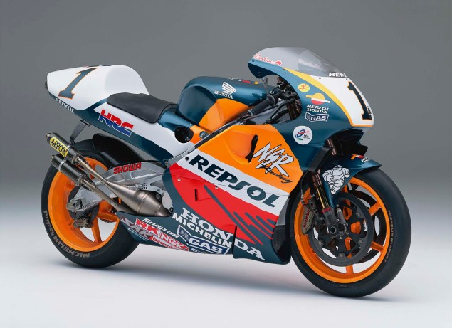 The Lineage of Hondas Grand Prix Motorcycles 1998 Honda NSR500 Mick Doohan 635x461