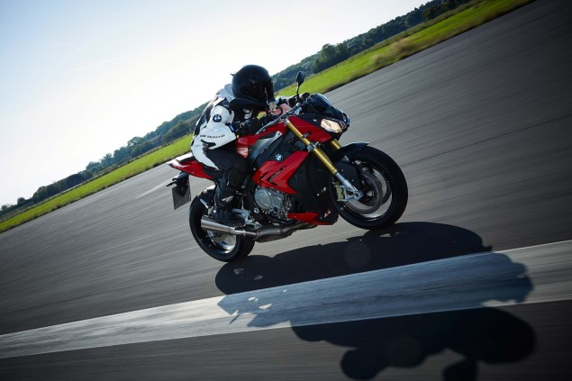 2014 BMW S1000R   160hp, ABS, & Optional DTC & DDC 2014 BMW S1000R action 54 635x423
